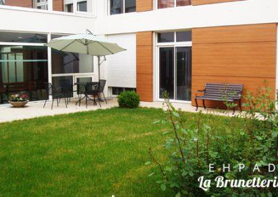 La terrasse de l'ehpad - La Brunetterie