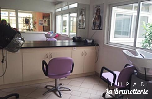 Le salon de coiffure - La Brunetterie