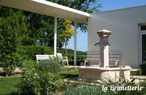 La fontaine du jardin - La Brunetterie
