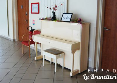 Le piano du hall - La Brunetterie